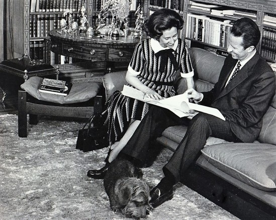 Years of happiness and moments of relaxation between the Baudouin and Fabiola. Calm dialogue in the private study.